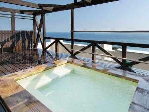 あしずり温泉郷 ホテル足摺園:7階【展望露天風呂】太平洋をご覧頂きながら、夜には満点の星空が観測できるかも?