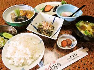 阿さひ旅館:<朝食一例>家庭的な和朝食をご用意♪