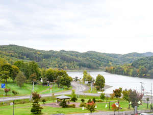 剣淵温泉レークサイド桜岡 :*景観/緑に囲まれた自然いっぱいの空間。