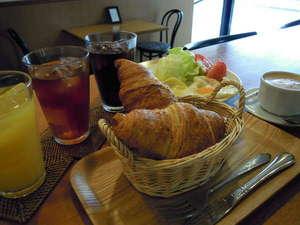 栄進館:朝食サービス(7:30~9:00)日曜祝日を除く