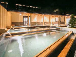 大自然と野天風呂のリゾート 蓼科グランドホテル 滝の湯:2016年9月16日渓流露天風呂『棚湯』誕生!解放感あふれる露天風呂。夜は星を見ながらゆったりと。