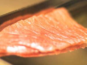 ピチピチの金目鯛、こちらは皮を引いてお刺身に~
