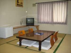 昭和新山ユースホステル:家族、グループなどにお勧めの8畳の和室