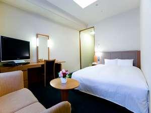 KKRホテル梅田(国家公務員共済組合連合会大阪宿泊所):クイーンダブル19㎡【ベッド幅163cm・3名利用可・ソファー付♪