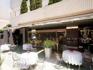 郡山ビューホテルアネックス:レストランバー「spoon」オープンテラス。天気が良い日は外でお食事♪