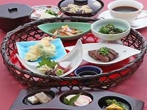 彦根グランドデュークホテル:【ご夕食】近江牛ミニステーキ和籠膳
