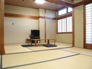 アーブしが(滋賀県青年会館):*【和室12畳一例】6名様までOK★お部屋からは瀬田川がご覧いただけます。