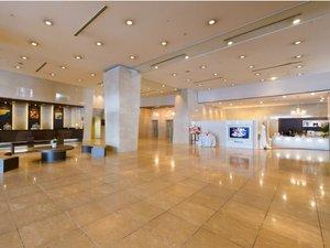 ホテル青森:シティホテルならではの、落ち着いた雰囲気と空間ロビー