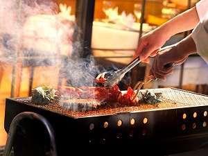 鎌倉パークホテル:夏期限定 炭火焼ディナー天気の良い日はシェフが中庭でメインの食材を焼き上げます!