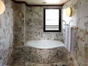 洋スイートルーム 浴室