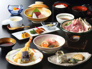 箱根の森 おかだ:【ご夕食一例】 箱根山麓豚など地の食材を使用
