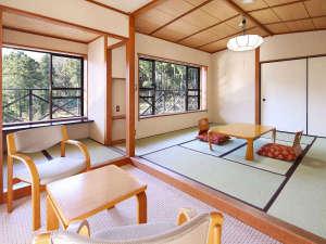 箱根の森 おかだ:【和室・なでしこ】 最上階の一番奥のお部屋です。運が良ければ、窓からリスさんに会えるかも。