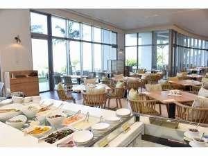 オールデイダイニングは、和洋中&沖縄料理・デザート・ドリンク約80種