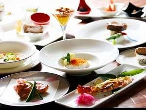 オーベルジュ北の暖暖:旬の食材を使ったコースディナー、一品づつ提供します。