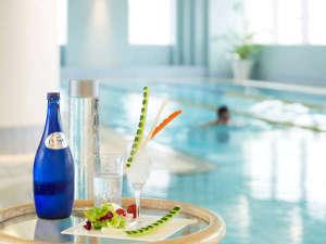 ホテルオークラ福岡:ジム、温水プール、サウナなどの設備で、最上級のリラックスをご体感出来るエグゼクティブのためのサロン
