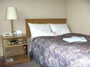 全室セミダブルベッド
