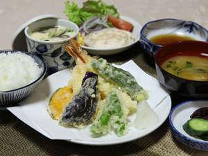 ビジネスホテルおがわ:夕食献立例[夕食時間18~20時]