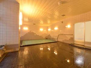 上牧温泉 ホテルニュー上牧:*大浴場/ゆったり広々。良質の温泉かけ流しで、旅の疲れも癒されます。