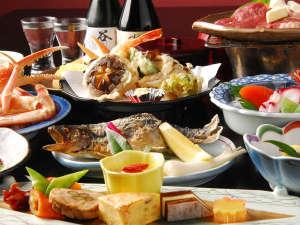 上牧温泉 ホテルニュー上牧:*旬の素材をふんだんに使用した、和風御膳をご用意致します。