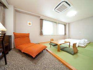 八日市ロイヤルホテル:◆ファミリ-に大人気◆和室11畳(禁煙)◆最大5名まで◆     バス☆トイレ☆セパレート◆