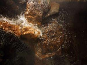 露天風呂 新鮮!源泉ドバドバ100%掛け流し 塩原温泉やまなみ荘