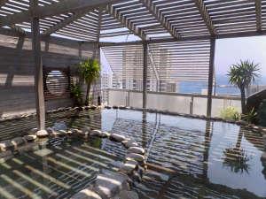 熱海ニューフジヤホテル:露天風呂「初島」昼間で晴れていると初島がご覧いただけます♪