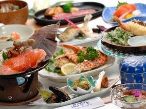 悠湯の宿 湯澤屋:地元ならではの新鮮な素材を使った夕食例