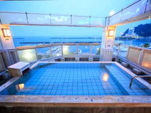 熱海温泉 料理旅館 渚館:*展望露天風呂『貫一の湯』/熱海港と暮れゆく空を眺めながら静かなひとときを堪能♪