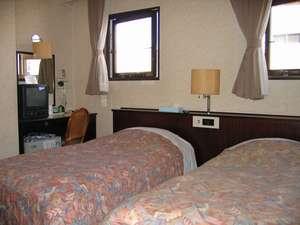 ビジネスホテル寿々屋:ツインルーム