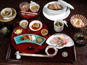 大丸別荘:月替りの季節の会席料理