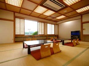 *【部屋/和室20畳】ファミリーやグループ旅行の方にぴったりのお部屋です。悠々とお寛ぎいただけます。
