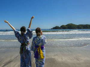 休暇村 南伊豆:波打ち際まで徒歩1分。1200mmのロングビーチ弓ヶ浜。