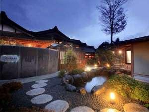 全室露天風呂付きの宿 河口湖温泉寺  夢殿の写真