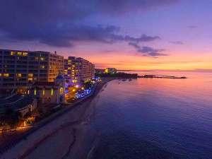 リザンシーパークホテル谷茶ベイ:絶景のサンセット!!美しい夕焼けが見られます。