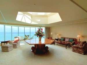 リザンシーパークホテル谷茶ベイ:広々とした空間!ロイヤルスイートルーム(320平米)