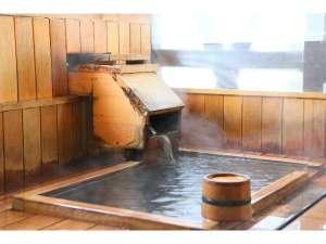 全室露天風呂付き 湯宿 いわふじ:8畳和室の露天風呂