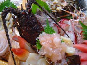 磯料理の宿 松屋:伊勢えび入り船盛りで豪華に!