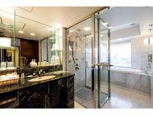 京成ホテル ミラマーレ:デラックスファミリールーム バスルーム