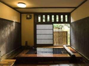 旅館湯本荘:【貸切風呂】ヒノキの貸切風呂など、館内に宿泊者無料の貸切風呂は3箇所/例