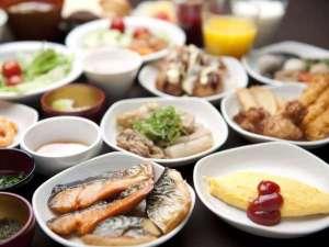 磐梯の湯 ドーミーインEXPRESS郡山:和洋50種類以上からお選びいただける朝食バイキング♪