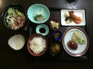 ビジネスホテルアーク半田店:ボリュームたっぷりのミニ会席料理