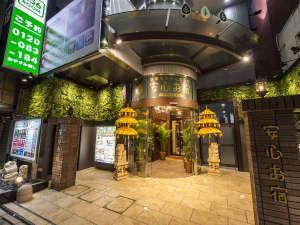 豪華カプセルホテル 安心お宿プレミア新宿駅前店の写真