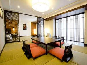 沖縄残波岬ロイヤルホテル:素足で寛げる琉球スイートルームは、多世代でのラクジュアリーなリゾートスティをお過ごし頂けます。