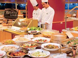 沖縄残波岬ロイヤルホテル:大人からお子様まで楽しめるバラエティ豊かなブッフェスタイルレストランコローネ(イメージ)