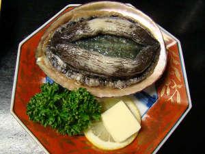 お魚料理の宿 魚拓荘 鈴木屋:メガあわびプラン・ブラック 踊焼き一例♪ 300グラムの大きな黒あわび!!滅多に見れません。