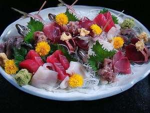 お魚料理の宿 魚拓荘 鈴木屋:別注文料理「お刺身盛り合わせ」 一例