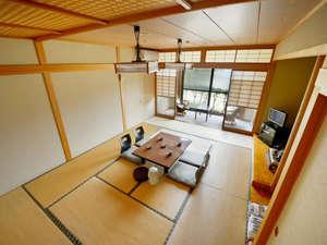 白鳥の宿 割烹旅館 ますがた荘:筑摩の間マウンテン&レイクビュー。お部屋と湖までの距離は約10m