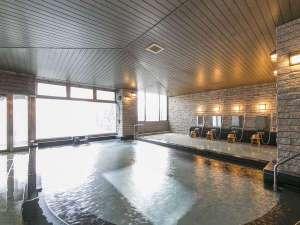 オテル・ド・マロニエ下呂温泉:【大浴場】15:00~25:00・5:00~10:30までご利用いただけます。