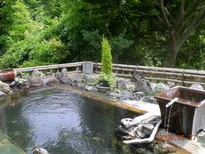 いわき湯本温泉郷 白鳥山温泉 喜楽苑:新緑の貸切露天風呂(30分無料)