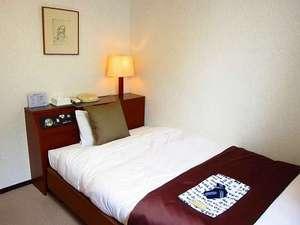 北ホテル:シングルルームBデュベスタイルを採り入れました。